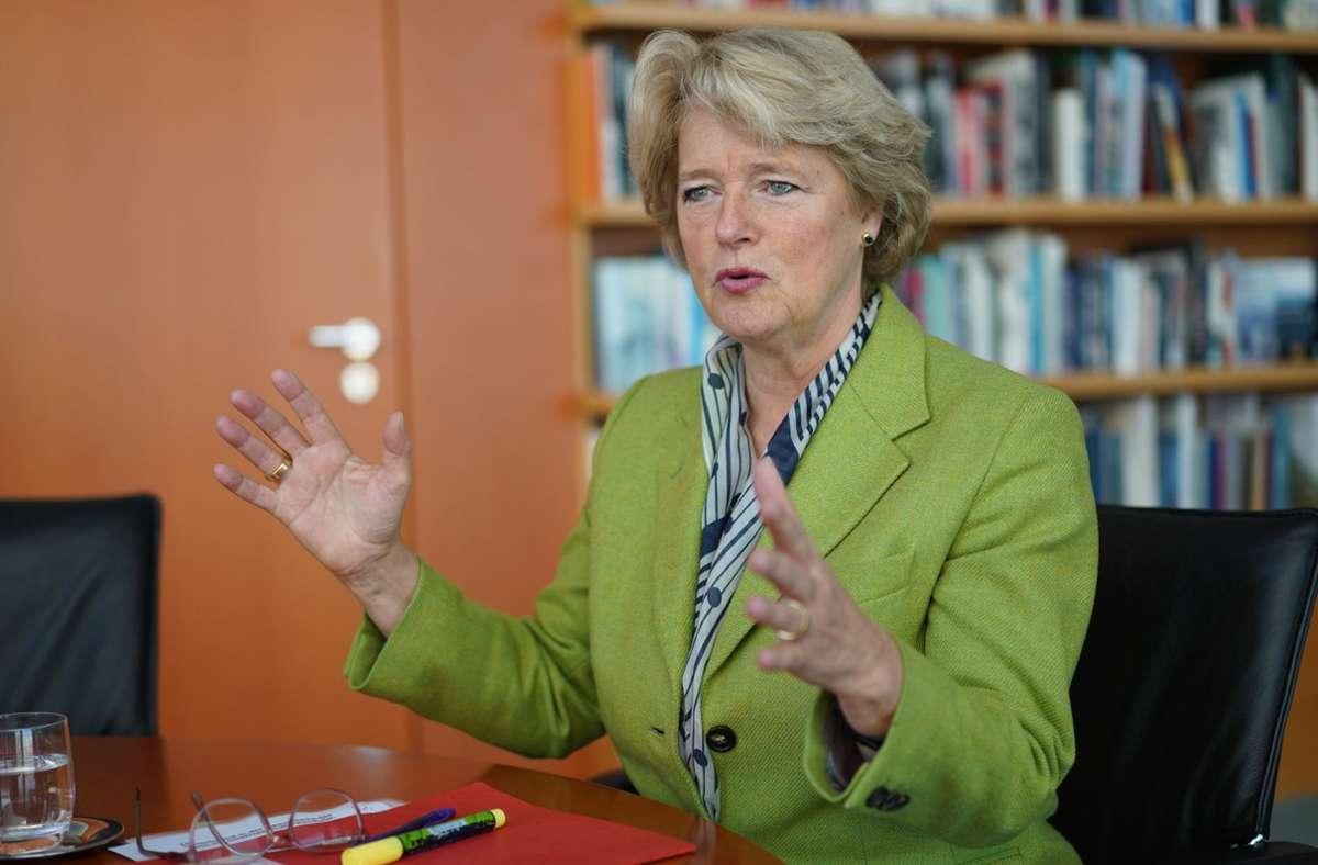 Kulturstaatsministerin Monika Grütters will freie Kulturschaffende effektiver unterstützen. Foto: dpa/Jörg Carstensen