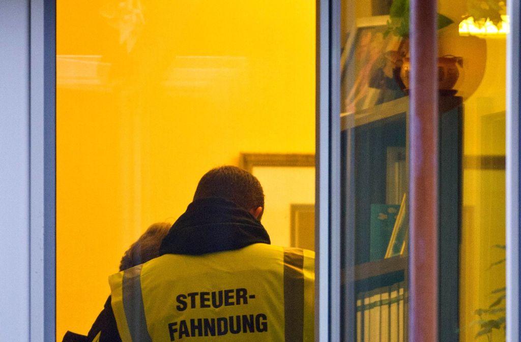 Der Bayerische Rundfunk hatte zuerst über den Vorfall berichtet und gemeldet, es gehe um einen hohen sechsstelligen Betrag an hinterzogenen Steuern (Symbolbild). Foto: dpa