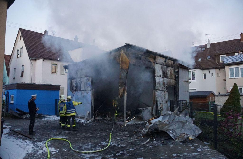 Die Feuerwehr muss gegen 5.30 Uhr in die Jakobstraße ausrücken. Foto: SDMG