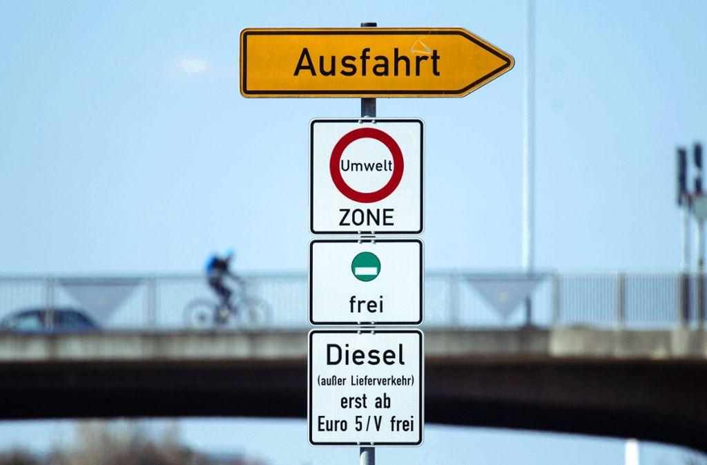 Im Jahr 2019 greift das Verbot für Diesel der Euronorm vier und schlechter. Foto: dpa//Marijan Murat