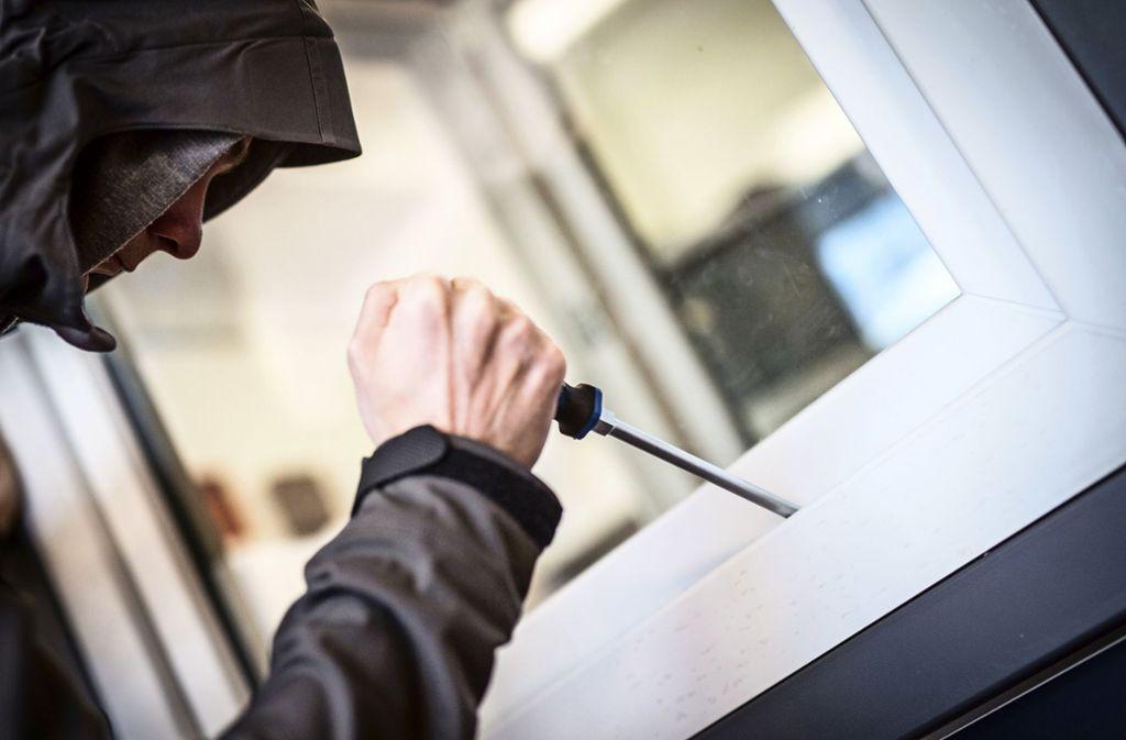 Einbrecher sind in eine Schule in Stuttgart-Feuerbach eingestiegen. (Symbolbild) Foto: picture alliance / dpa/Frank Rumpenhorst