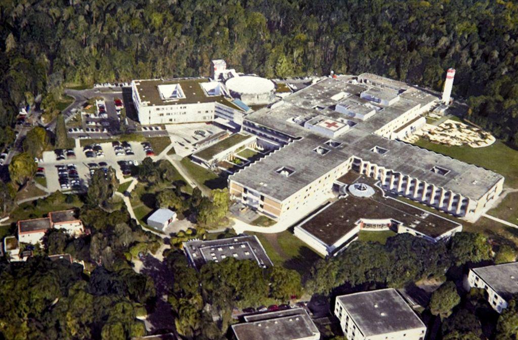 Das Paracelsus-Krankenhaus in Ostfildern-Ruit von oben Foto: