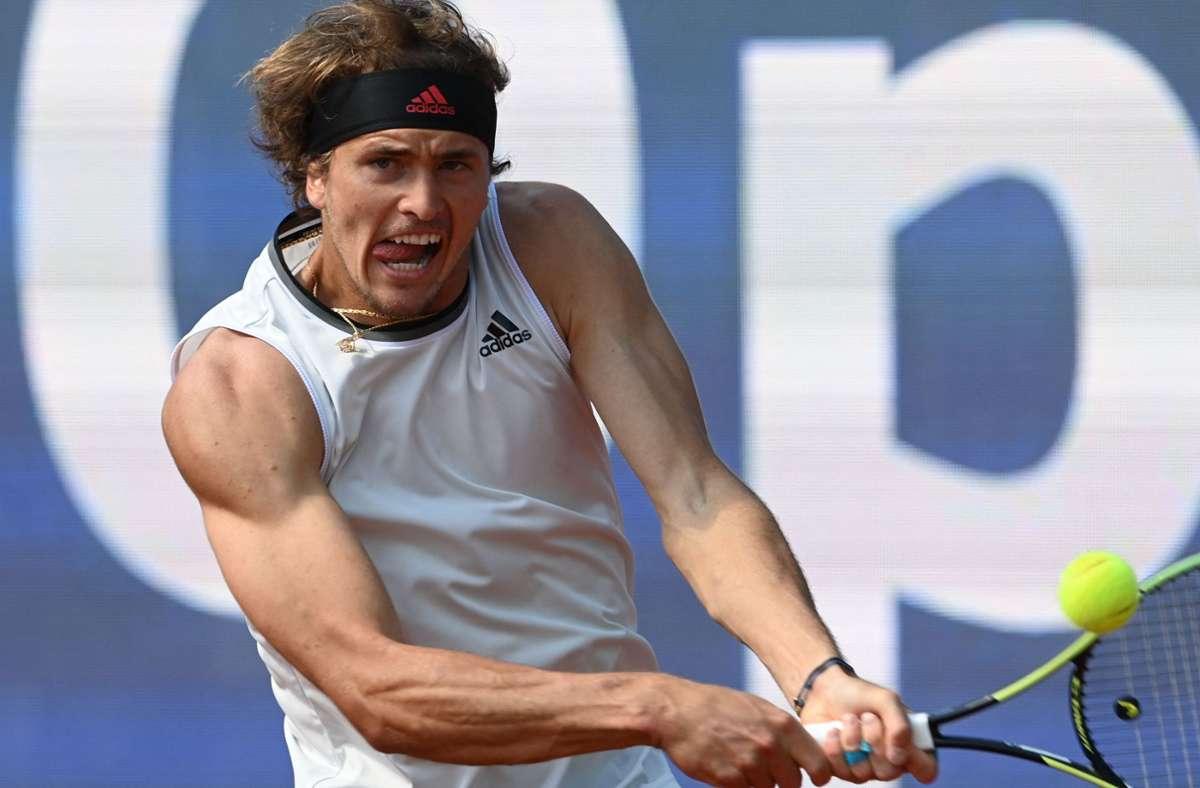 Alexander Zverev hat sein Auftaktmatch in Madrid gewonnen. Foto: AFP/CHRISTOF STACHE