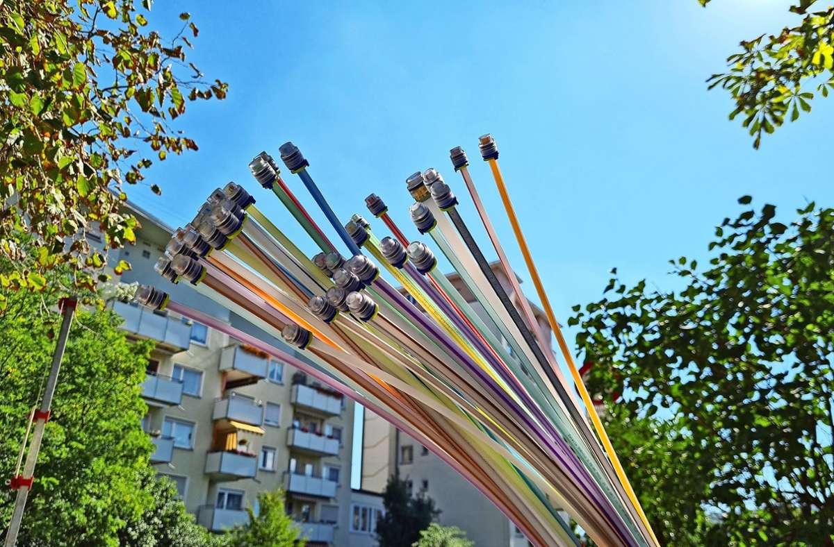 Breitbandausbau in Fellbach: Baustelle mit Glasfaserkabeln in der Bruckstraße an der Ecke zur Hölderlinstraße. Foto: Patricia Sigerist