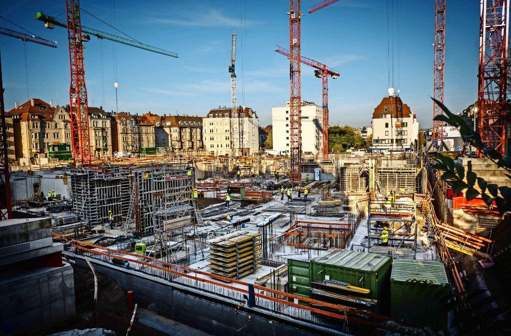 Auf dem Gelände der früheren Kinderklinik Olgaareal im Stuttgarter Westen entsehen neue Wohnungen, auch in Baugemeinschaften. Foto: Lichtgut/Achim Zweygarth