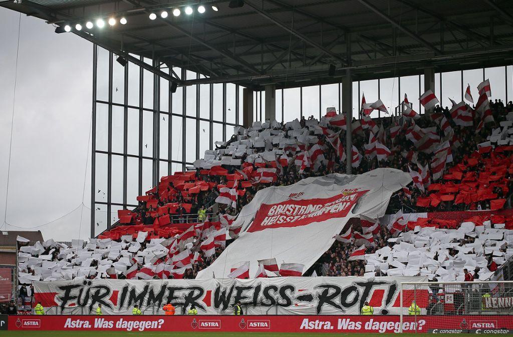 Fans des VfB im Millerntorstadion Foto: Baumann