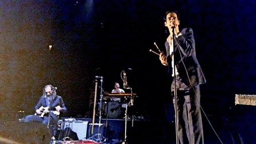 Schmerzensmann und Gentleman: Nick Cave bei seinem Auftritt in Stuttgart Foto: Stiller