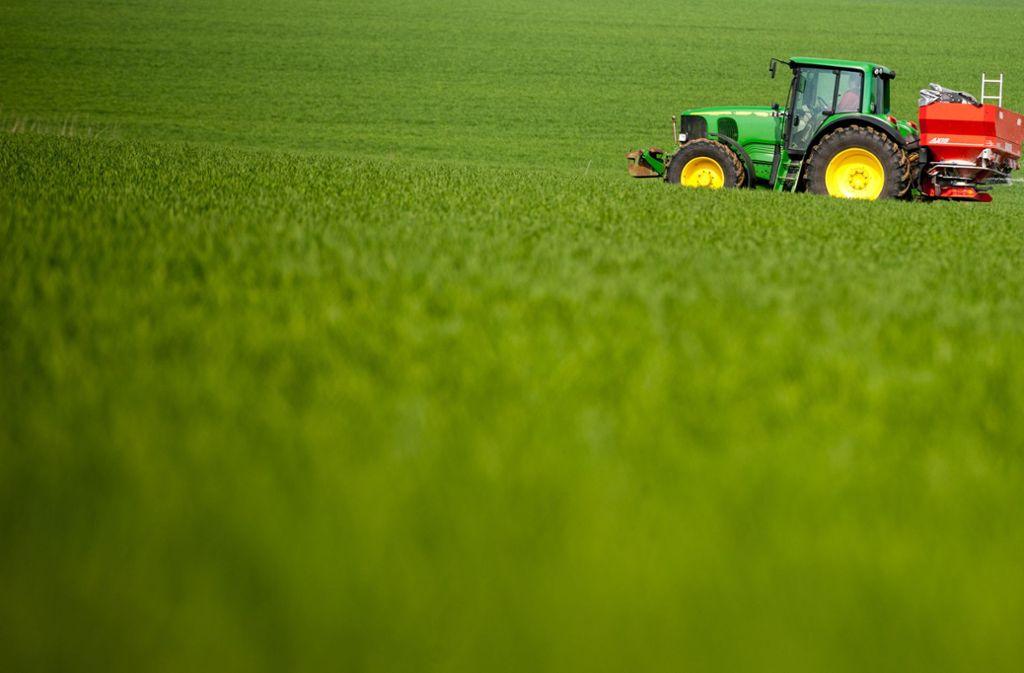 Die Dünge-Vorgaben für deutsche Bauern werden strenger. Foto: dpa/Philipp Schulze