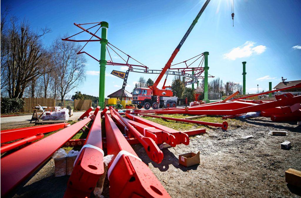 Im Schwaben-Park wird derzeit an einer neuen Attraktion gebaut. Saisonstart wäre eigentlich am 4. April gewesen. Foto: Gottfried Stoppel