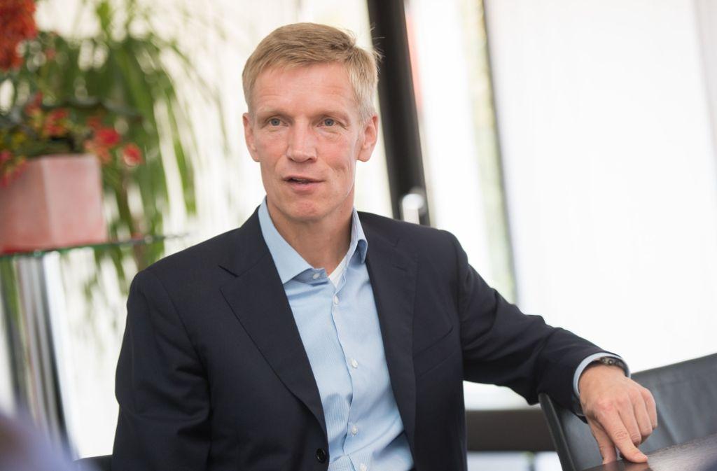 Jan Schindelmeiser arbeitet Schritt für Schritt an der Professionalisierung des VfB Stuttgart. Foto: dpa