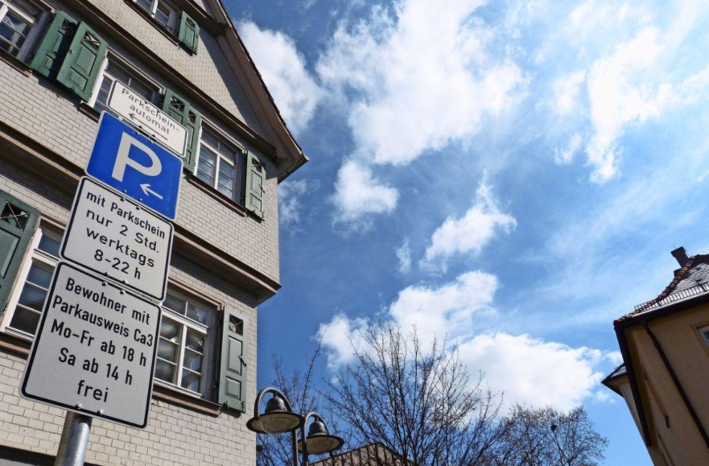 Das Parkraummanagement gilt in Bad Cannstatt seit November 2017.Einbezogen werden soll die Winterhalde. Foto: