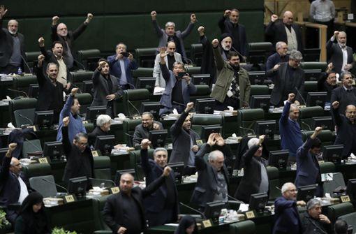 """Iran stuft US-Streitkräfte als """"Terroristen"""" ein"""