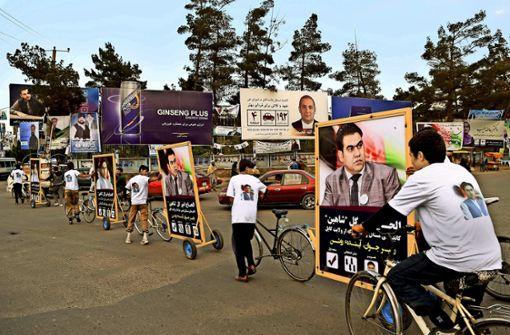 Afghanistans Politiker zieht es nach Kabul