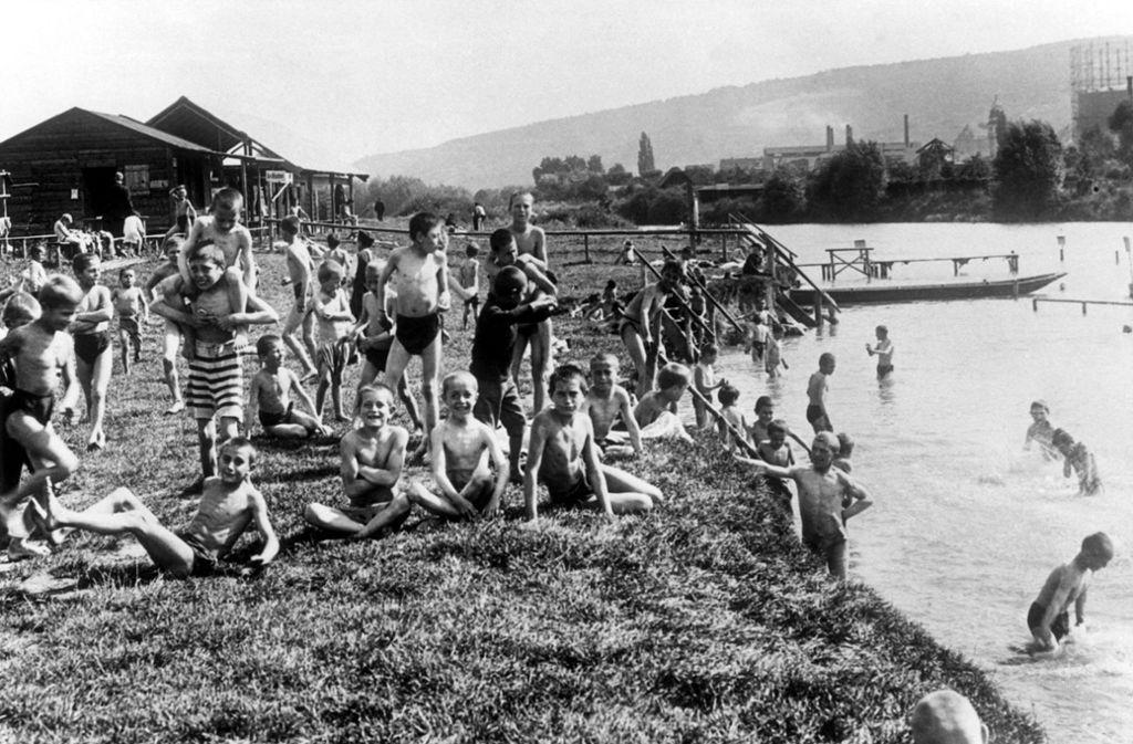 """Baden im Neckar unweit vom Gaskessel: Das Foto ist um 1928 entstanden. Foto: Sutton-Verlag (aus dem Buch """"Stuttgart – eine Stadt verändert ihr Gesicht"""")"""
