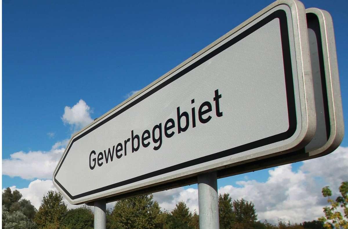In manchen Städten, wie etwa Freiburg, nahmen die Nettoeinnahmen aus der Gewerbesteuer wiederum zu. (Symbolbild) Foto: dpa/Jens Wolf