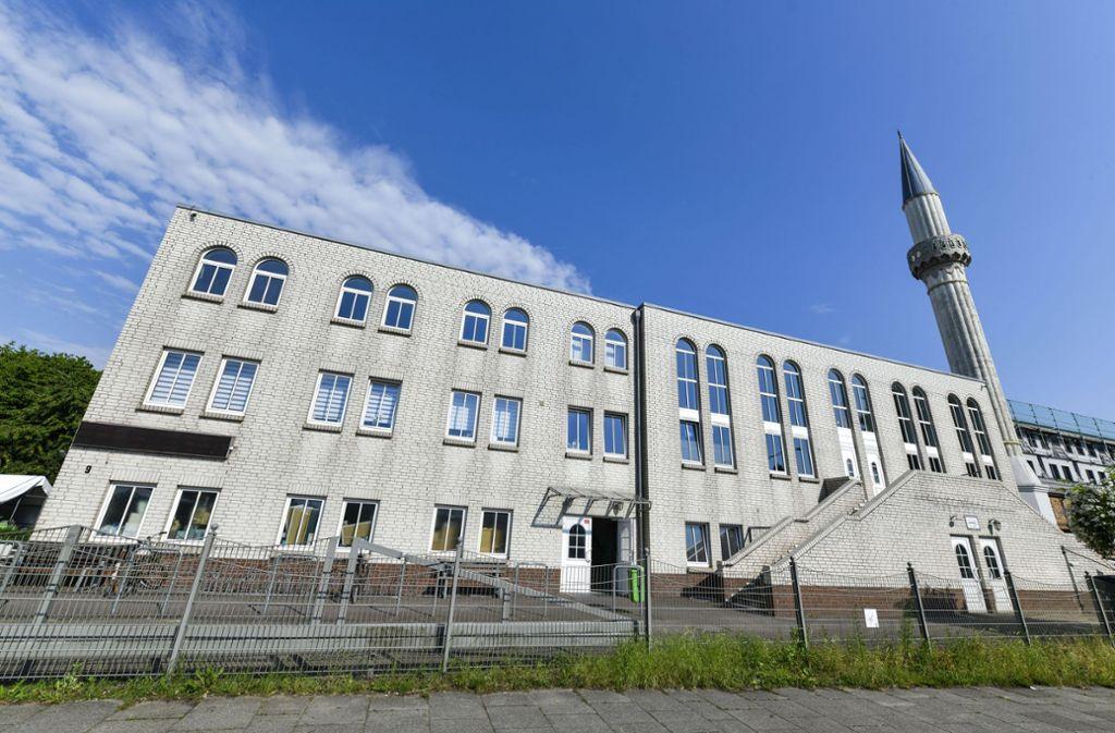 Bei der Fatih-Moschee in Bremen  ein verdächtiger Brief mit pulverartigem Inhalt eingegangen. Foto: imago images/Schöning