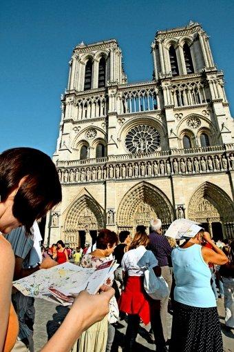 Anstehen vor Notre-Dame