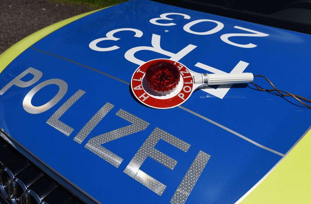 Die Polizei konnte einen der Fahrer kontrollieren. (Symbolbild) Foto: dpa/Patrick Seeger