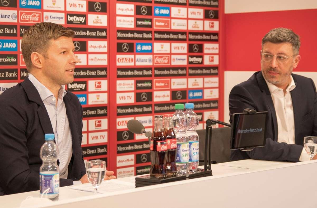 Der Zwist der Funktionäre im VfB Stuttgart ist ausgestanden: AG-Vorstandschef Thomas Hitzlsperger (li.) und Vereinspräsident Claus Vogt . Foto: Baumann