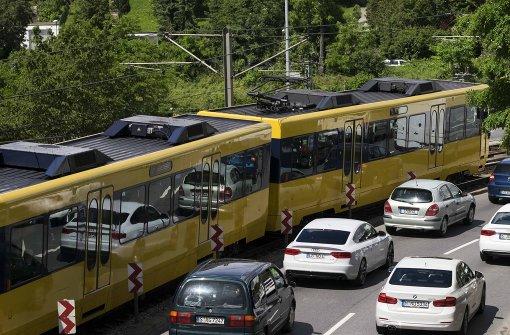 Mehr Busse und Bahnen gefordert