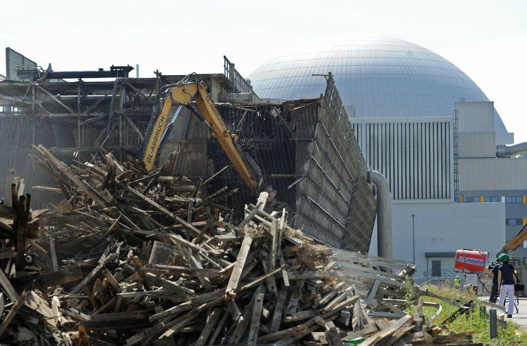 Der Bauschutt aus dem Abriss der Atomkraftwerke (AKW) in Obrigheim und Neckarwestheim sorgt für erheblichen Streit im Land. Foto: dpa