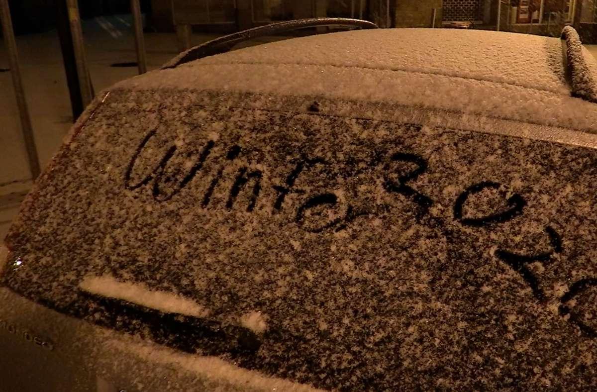 Im Landkreis hat es zum ersten Mal geschneit, wie hier in Neuffen. Foto: 7aktuell.de/Tim Schips