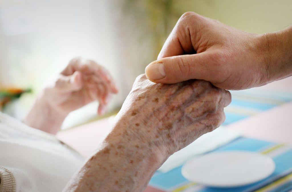Kaum eine andere Berufung    – ob haupt- oder ehrenamtlich – vermittelt mehr Lebenstiefe  als der Dienst   in der      Hospizbewegung. Foto: dpa