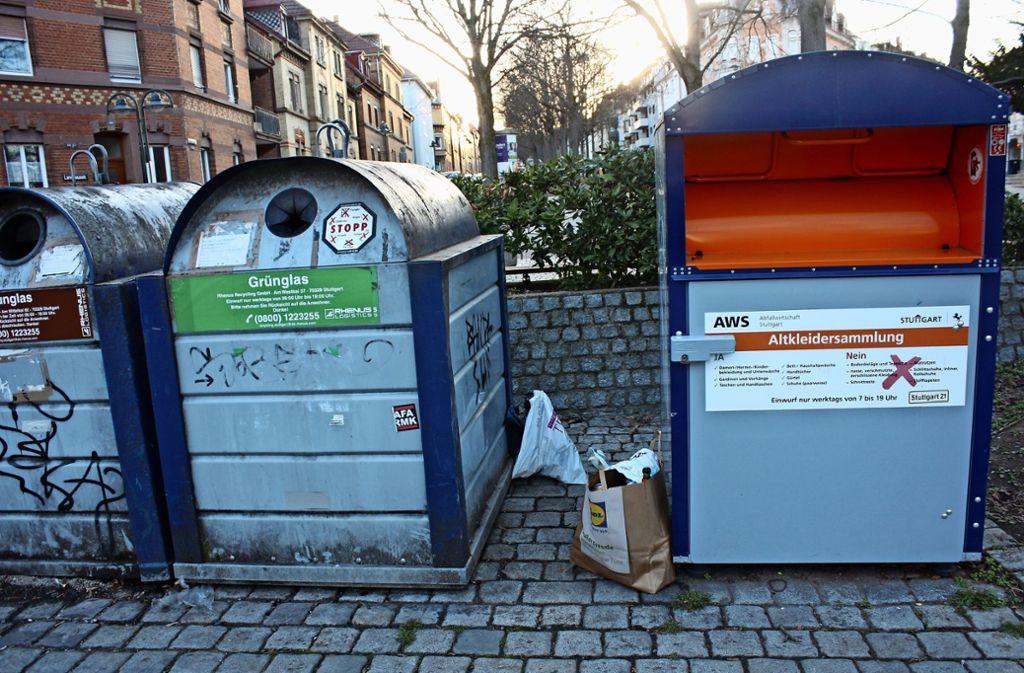 Unschöne Hinterlassenschaften am Lukasplatz. Foto: Christoph Kutzer