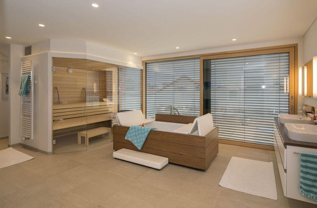 luxuswohnen am n rdlichen schwarzwald das traumhaus versch nert den alltag stuttgart. Black Bedroom Furniture Sets. Home Design Ideas