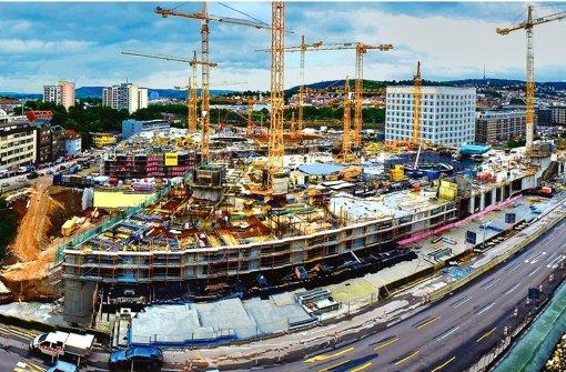 Beim Milaneo wird derzeit schon am Fundament der Wohn- und Bürohäuser gearbeitet, die auf dem Einkaufszentrum entstehen sollen. In der Bilderstrecke zeigen wir Eindrücke von den beiden Stuttgarter Großbaustellen Milaneo und Gerber. Foto: