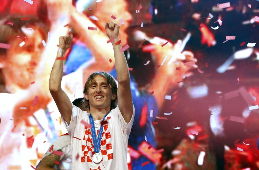 Noch feiert Luka Modric: Dem Kapitän der kroatischen Nationalmannschaft droht eine Haftstrafe. Foto: AFP