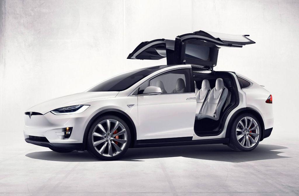 Tausende Modelle des SUVs Model X mit elektrischem Antrieb zurück. Foto: dpa/Tesla Motors