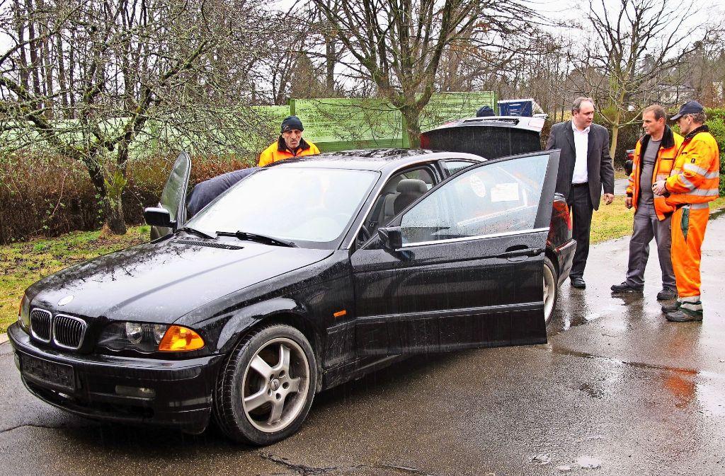 Dieses Auto stand ohne Kennzeichen auf der Straße und wird nun versteigert. Foto: Malte Klein