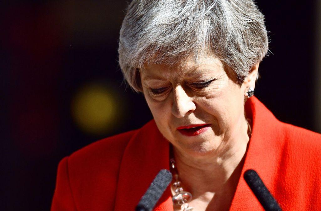 Die britische Premierministerin Theresa May verkündet den baldigen Rücktritt vom Staats- und Parteiamt. Foto: Getty Images