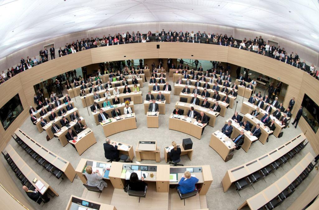 Die erste Sitzung im frisch renovierten Landtag Foto: dpa