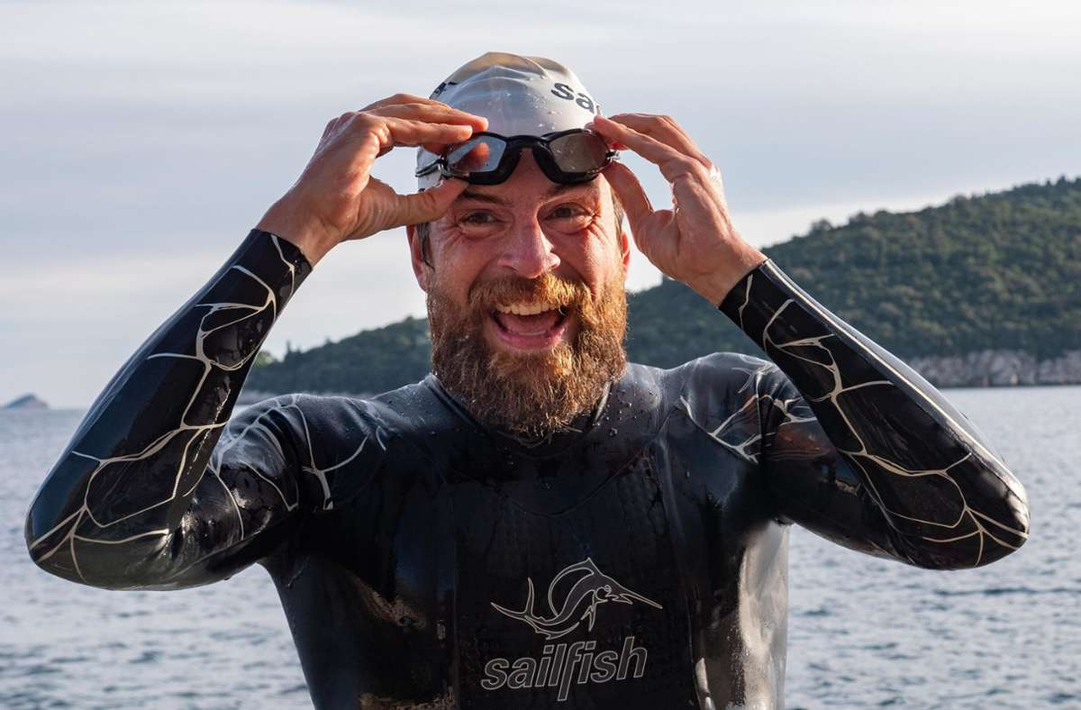 Langstreckenschwimmer Jonas Deichmann bei der Ankunft in Dubrovnik Foto: /Markus Weinberg