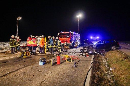 Unfall nach riskantem Überholmanöver