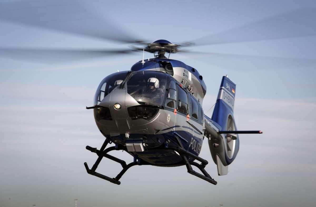 Bei der Suche nach der angeblichen Entführten waten unter anderem  Spezialkräfte, ein Hubschrauber und die Kriminalpolizei im Einsatz. (Symbolbild) Foto: Leif Piechowski/Leif Piechowski