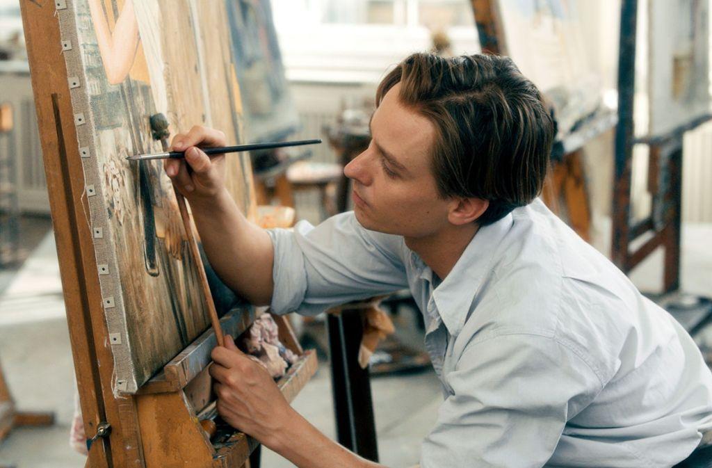 """Tom Schilling spielt den Künstler Kurt in """"Werk ohne Autor"""", dem neuen Film von Florian Henckel von Donnersmarck. Foto: Disney"""