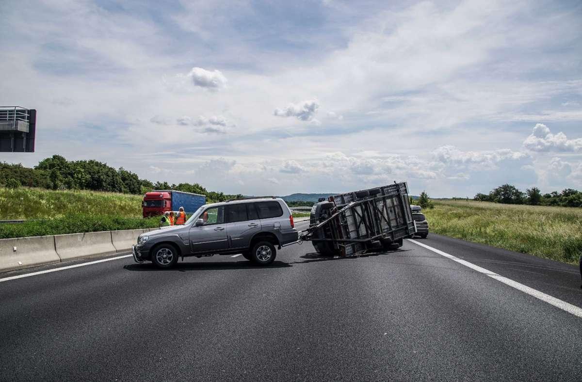 Der Unfall ereignete sich auf der A8 bei Rutesheim. (Symbolbild) Foto: SDMG/SDMG / Dettenmeyer