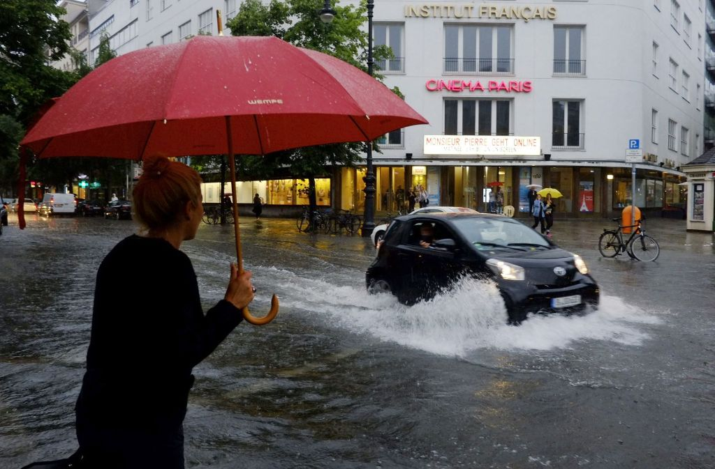 Das Unwetter Rasmund hat Ende Juni allein in Berlin Schäden in Millionenhöhe verursacht. Foto: dpa