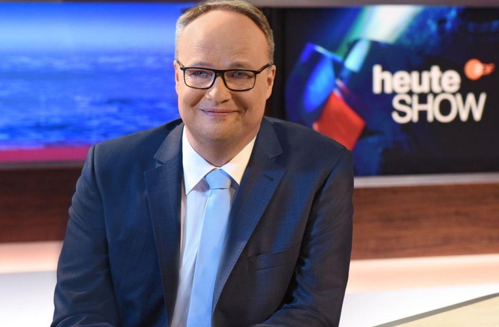 """In Krisenzeiten schalten noch mehr ein: Auch Oliver Welke und die """"heute-Show"""" erleben Rekordquoten. Foto: dpa/Sascha Baumann"""