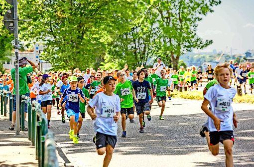 Wind und Wolken helfen den   Stuttgart-Läufern