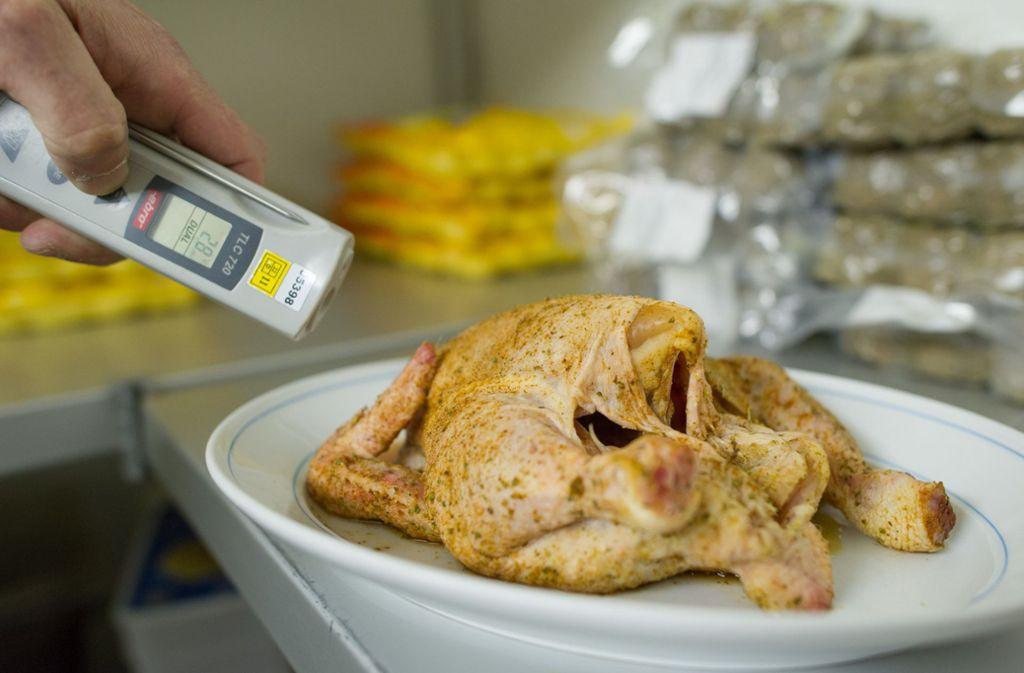 Vor Lebensmittelkontrollen ist kein gastronomischer Betrieb gefeit. Foto: dpa