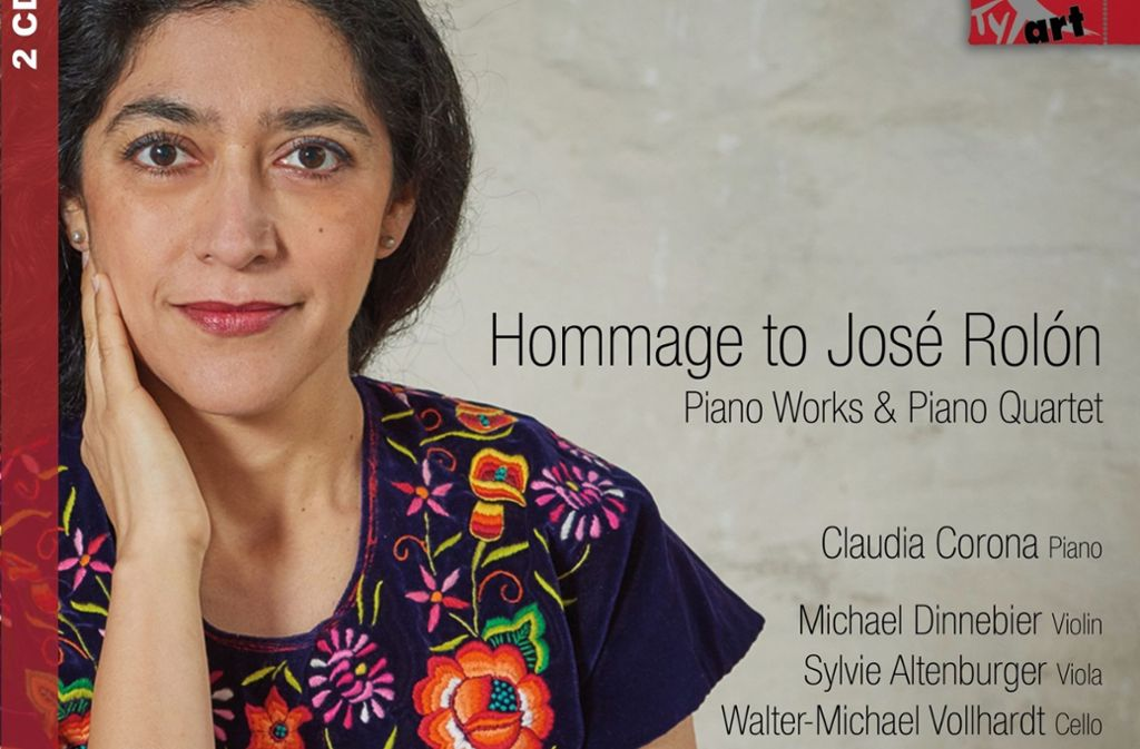 Die in Freiburg lebende Pianistin Claudia Corona verbeugt sich vor dem mexikanischen Komponisten José Rolón. Foto: Tyxart