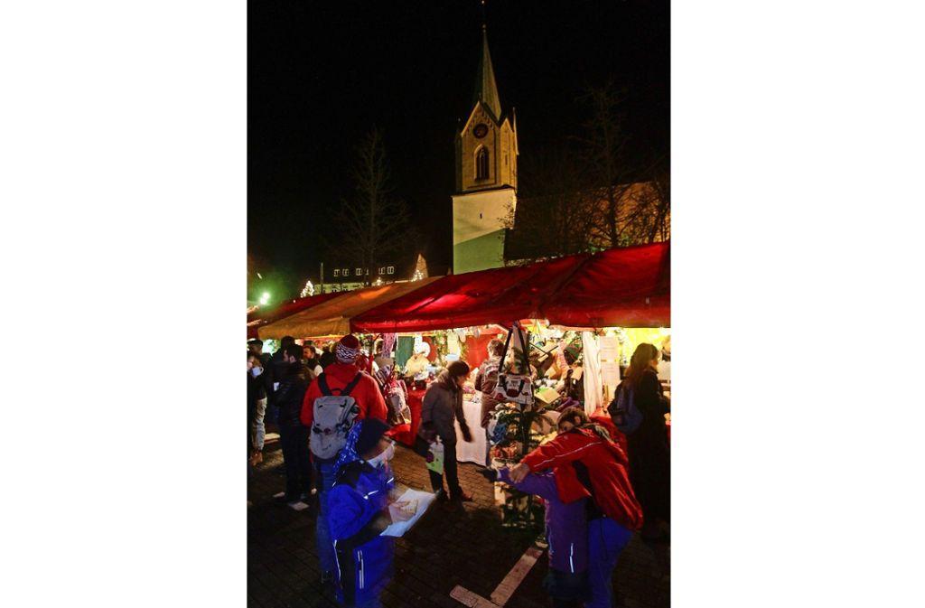 Die meisten Weihnachtsmärkte, wie in Renningen, werden allein von der Stadtverwaltung koordiniert. Foto: factum/Archiv
