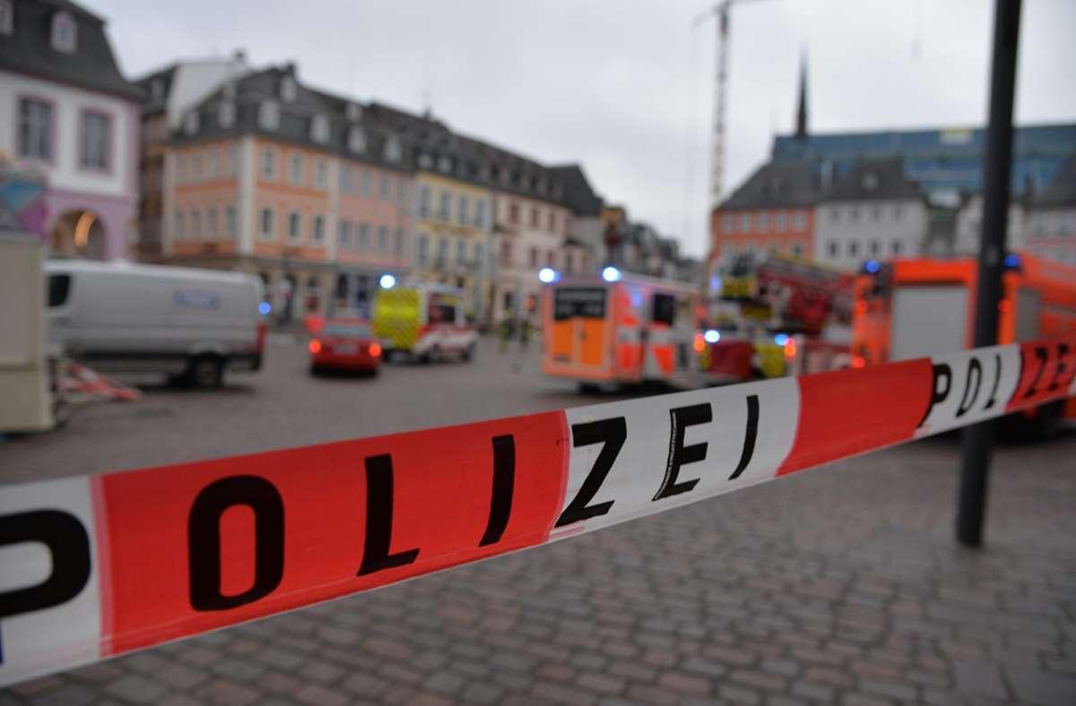 Ein Mann hat mit einem Auto in Trier mehrere Menschen angefahren. Es gab Tote und Verletzte. Foto: dpa/Harald Tittel