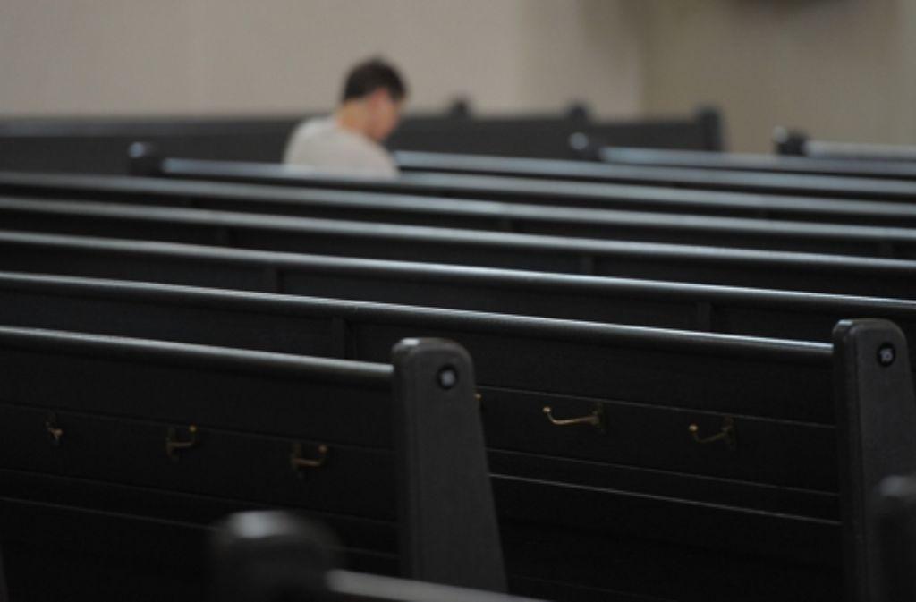 Was tun gegen leere Kirchenbänke? Foto: dpa