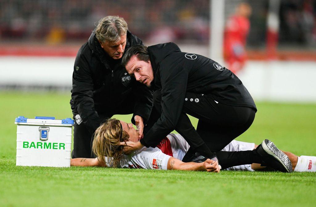 Borna Sosa vom VfB Stuttgart hat immer noch mit den Auswirkungen aus dem Spiel gegen Wehen Wiesbaden zu kämpfen. Foto: dpa/Tom Weller