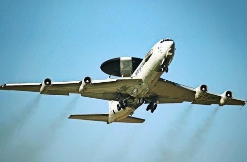 Awacs-Flugzeuge sollen den Luftraum über Syrien intensiver bewachen – notfalls ohne deutsche Soldaten. Foto: dpa